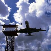Düsenflugzeug beim Landeanflug