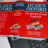 Einträge in Wörterbüchern enthalten auch Hinweise zur stilistischen Zugehörigkeit der erläuterten Begriffe.