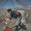 Aufbau des Holzgerüstes für eine Jurte