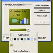 """So wird der Hintergrund aller Folien festgelegt:Menü """"Format"""" Befehl """"Hintergrund..."""".Hier wurde als Hintergrund ein schlichtes Grün gewählt. Über """"Fülleffekte..."""" kann man Farbverläufe (Schattierungen, hier von links oben nach rechts unten), Strukturen u"""