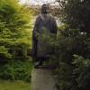 Das Goethe-Denkmal von ELMAR DIETZ in München. Es wurde 1962 beim Maximiliansplatz aufgestellt.
