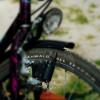 Ein eingeschalteter Fahrraddynamo wirkt als Bremse.