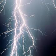 Elektrischer Strom und elektrische Felder besitzen Energie.