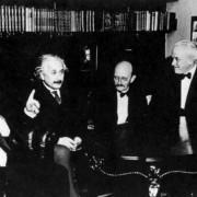 EINSTEIN (zweiter von links) mit NERNST (links), PLANCK, MILLIKAN und VON LAUE
