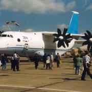 """Modernes Turboproptriebwerk bei dem ukrainischen Transportflugzeug """"Antonow 70""""."""