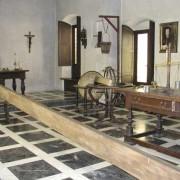 Nachbau des Arbeitsraumes von GALILEO GALILEI im Deutschen Museum München. Nachgebaut wurde auch die Fallrinne, die der Untersuchungen gleichmäßig beschleunigter Bewegungen diente.