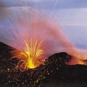 Bei einem Vulkanausbruch wird Energie freigesetzt.