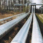 Durch Wärmeleitung erfolgt die Übertragung von Energie von einem Heizkraftwerk zu Verbrauchern.