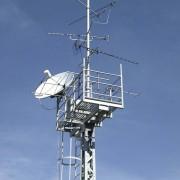 Von Mobilfunkantennen geht hochfrequente elektromagnetische Strahlung aus.