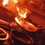 Energie wird vom Gas auf die Speisen übertragen.