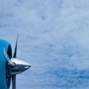 Die ersten Triebwerke waren Propeller, zunächst aus Holz. später aus Metall.
