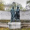 Denkmal von JOHANN STRAUSS (Vater, 1804–1849) (links) und JOSEPH LANNER (1801–1843) im Wiener Rathauspark